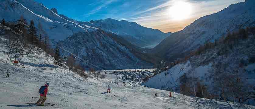 france_chamonix_Skiing-Le-Tour.jpg